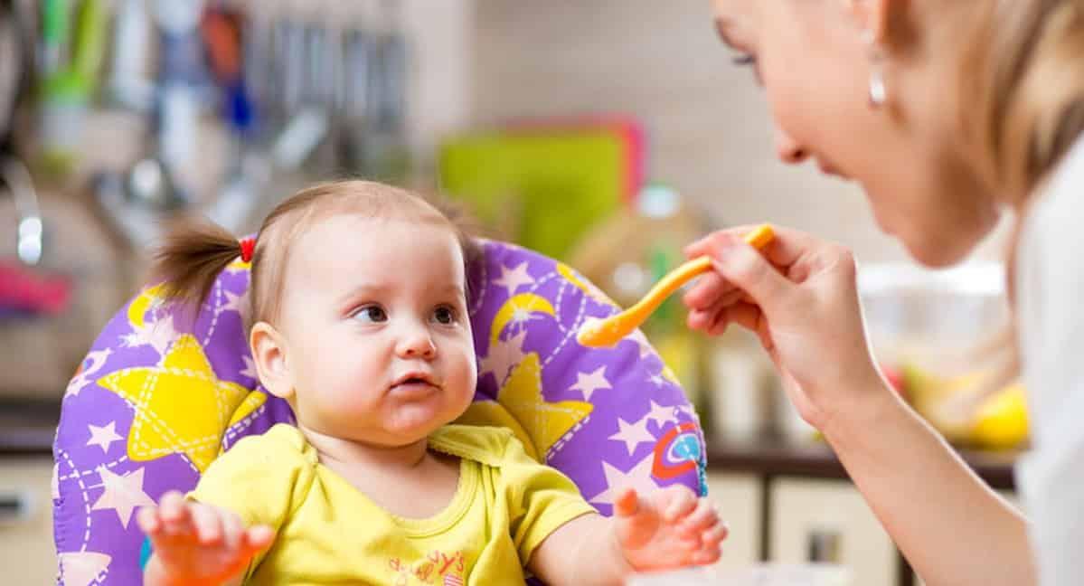 Baby stukjes leren eten
