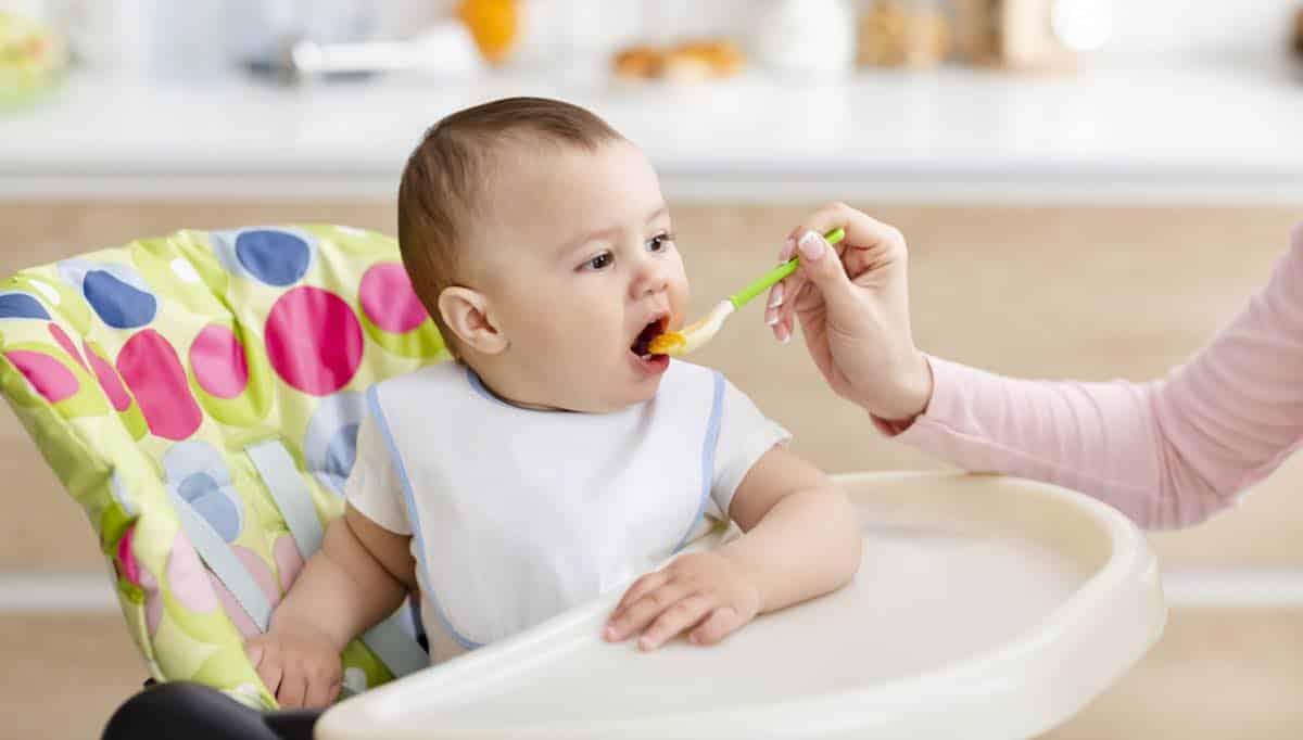 Is babyvoeding uit potje gezond