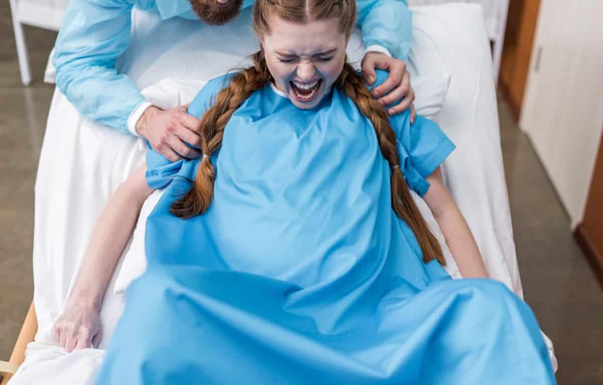 Verschillende pershoudingen bevalling