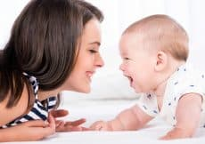 Welke herinneringen babyspullen bewaren moeders het liefst