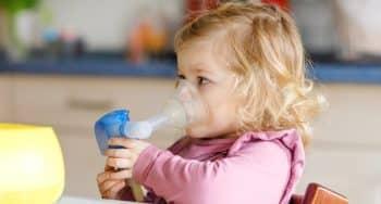 ademhalingsproblemen of astma bij peuter