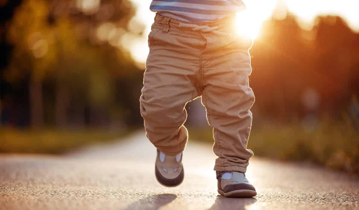 baby 18 maanden lopen