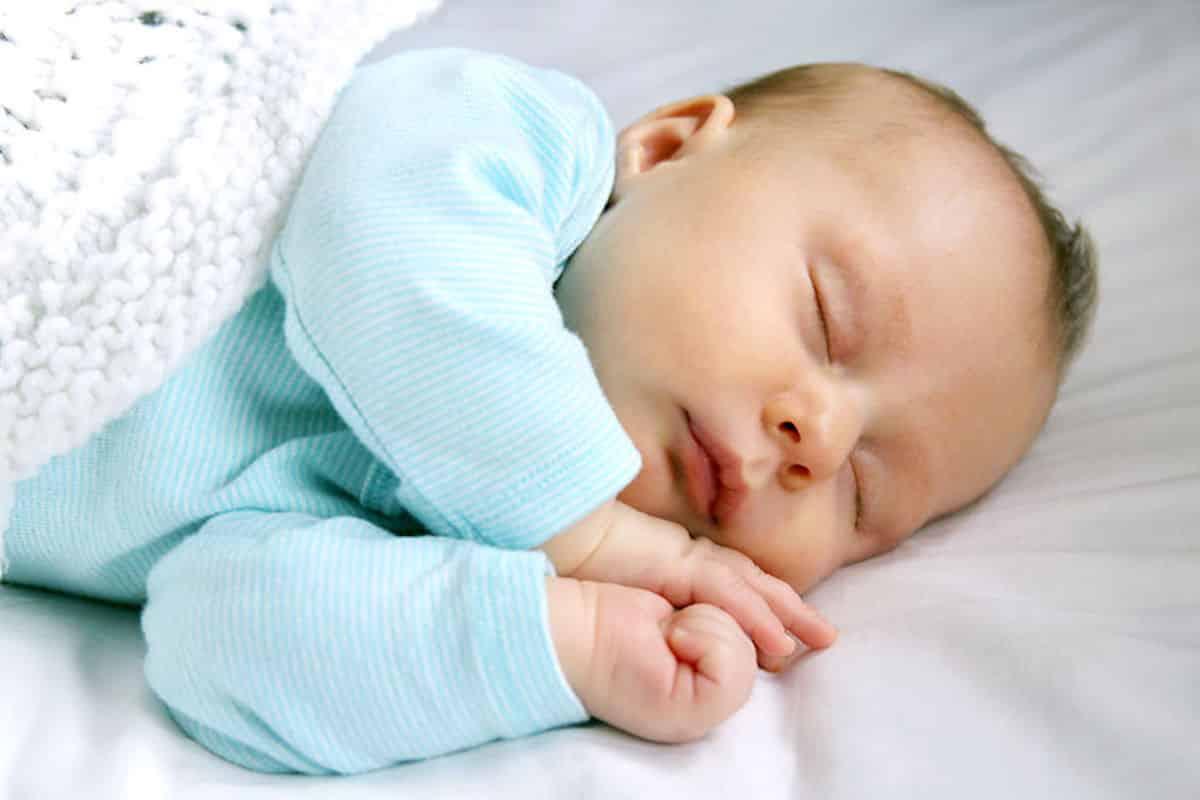 baby 5 weken huilen