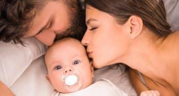 baby op de kamer van ouders slapen onderzoek