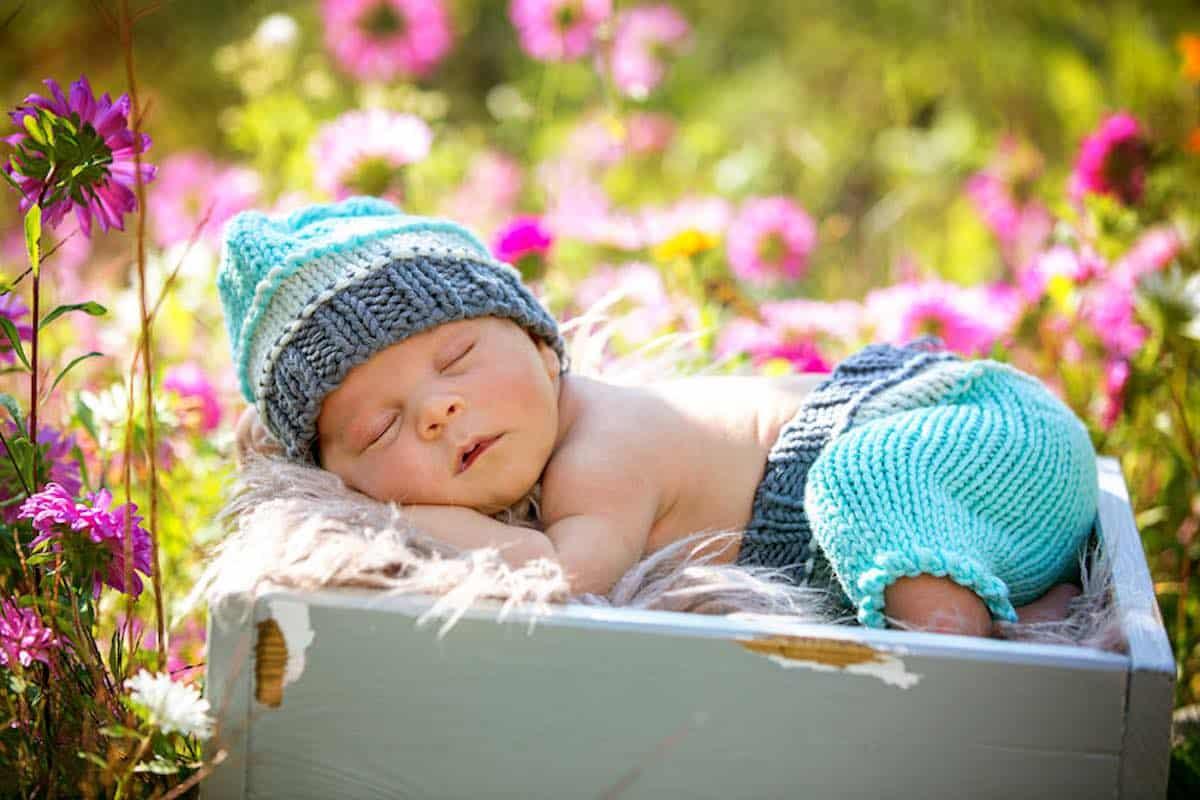 baby buiten laten slapen slaaphuisje