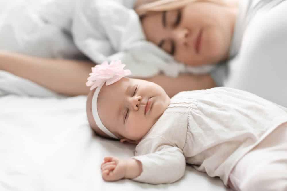 baby snel wakker door geluid