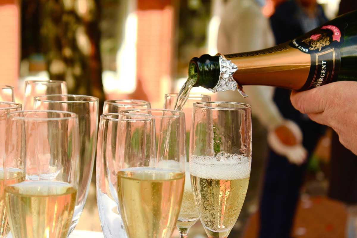 champagne kan nog of