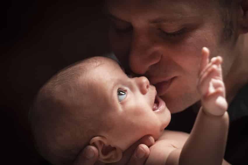 de band tussen vader en baby