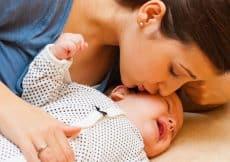 huilende baby laten slapen