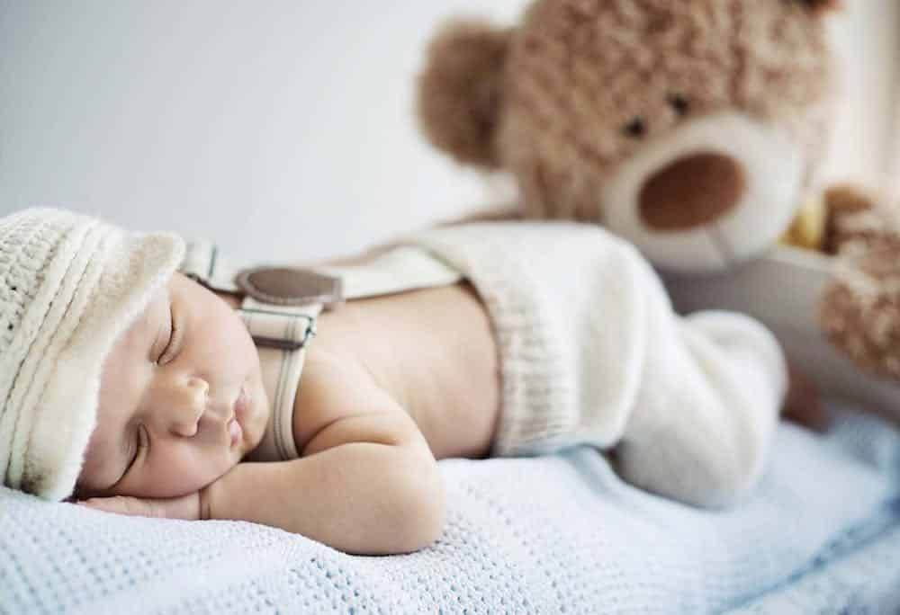 laat baby wennen aan eigen babykamer