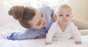 ontwikkeling baby 5 maanden oud stimuleren
