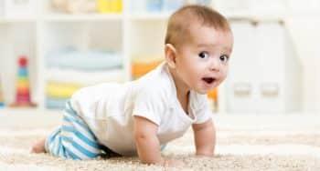 ontwikkeling baby 9 maanden oud kruipt niet