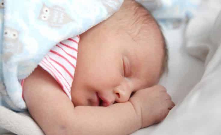 ontwikkeling van je baby 2 weken oud