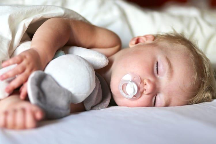 oorzaken slaapwandelen bij peuter of kleuter