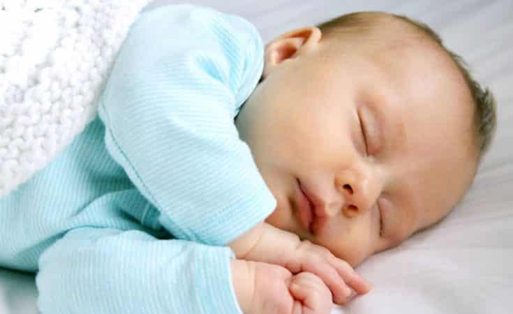 pasgeboren baby 5 weken oud