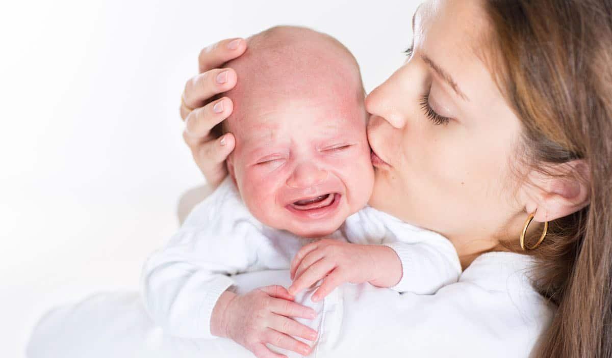 redenen waarom een baby huilt