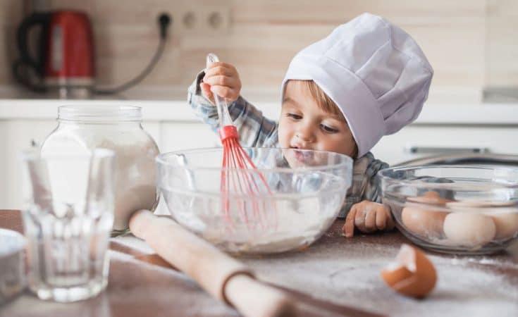 samen bakken of kindertaart maken met je peuter
