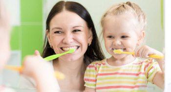 samen melktanden poetsen tips