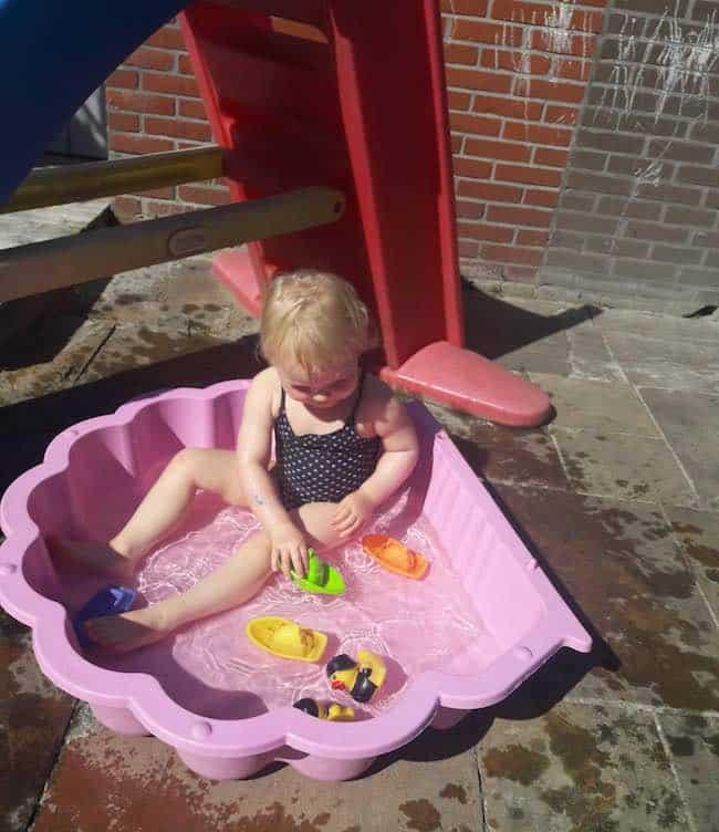 schelpzandbak als zwembadje