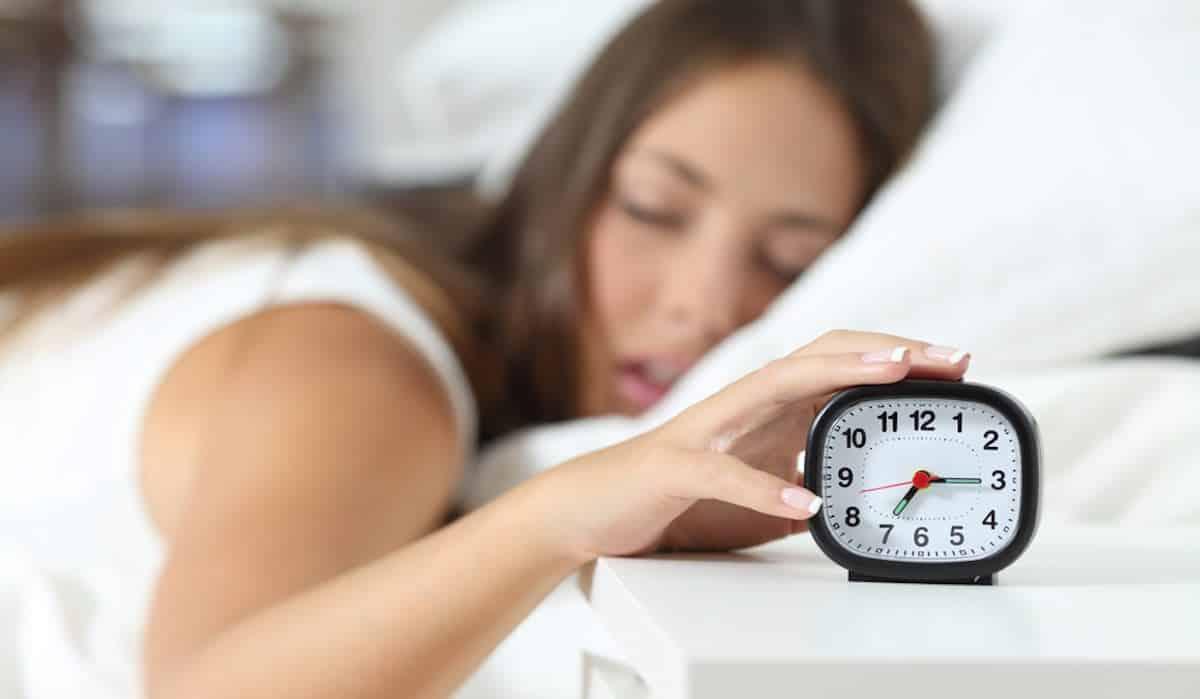 slecht geslapen beauty tips om fris uit te zien