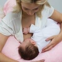 voedingskussen gebruiken bij borstvoeding