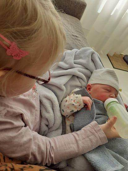 yinthe met haar zus Myrah